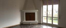 Ampio trilocale in affitto a Corte Franca ( AFT115 )