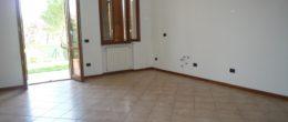 Trilocale con giardino privato in affitto a Provaglio d'Iseo ( AFT172 )