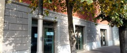 Ampio immobile commerciale su 3 livelli in affitto a Coccaglio ( AFU34 )