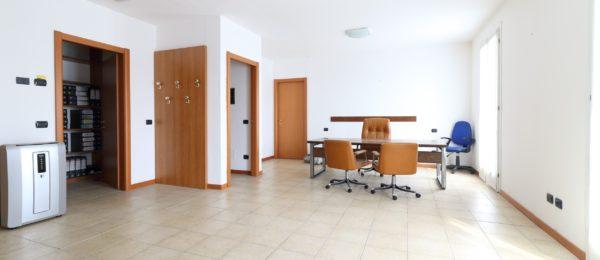 Ampio immobile in vendita a Corte Franca ( Q45b – AFQ45b )