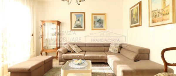 Appartamento con 5 camere in vendita a Provaglio d'Iseo ( P7 )
