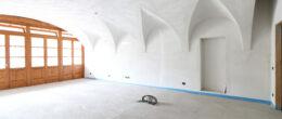Openspace con soffitti a volta in cascinale ristrutturato ( T164a )