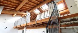 Ultime soluzioni in cascinale ristrutturato a Provaglio d'Iseo ( T164 )